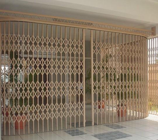 Cortinas puertas y ventanas - Puerta de acordeon ...